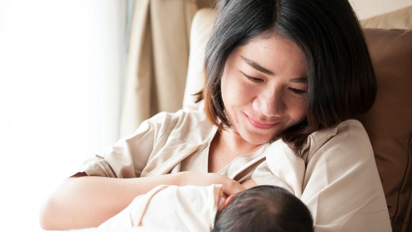 Amamanta a tu bebé (dale el pecho)